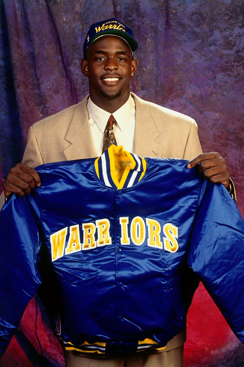 Congrats to Chris Webber, named of the @Hoophall finalists for the Class of 2018; Success at University of Michigan followed CWebb in the @NBA. The first overall pick in the 1993 @NBA Draft, Webber won the 1994 @NBA ROY and was a five-time @NBAAllStar https://t.co/EVoMTXaCcG