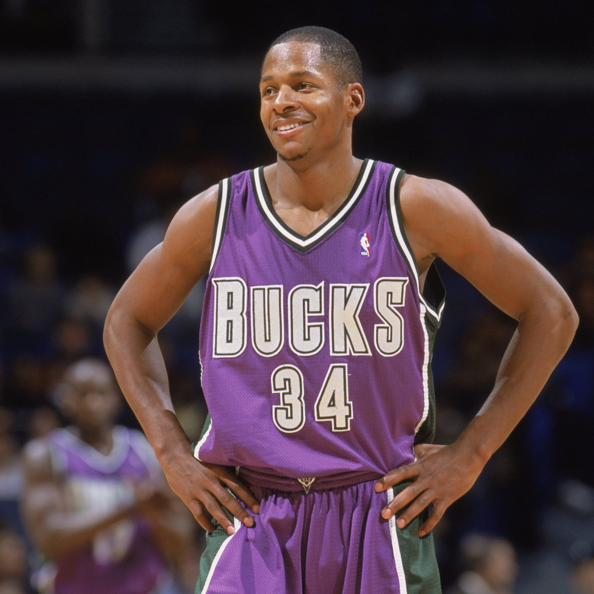 RT @Bucks: Congratulations to Ray Allen on being selected as a @Hoophall class of 2018 finalist!! #LightItUp https://t.co/PApsHrEjol
