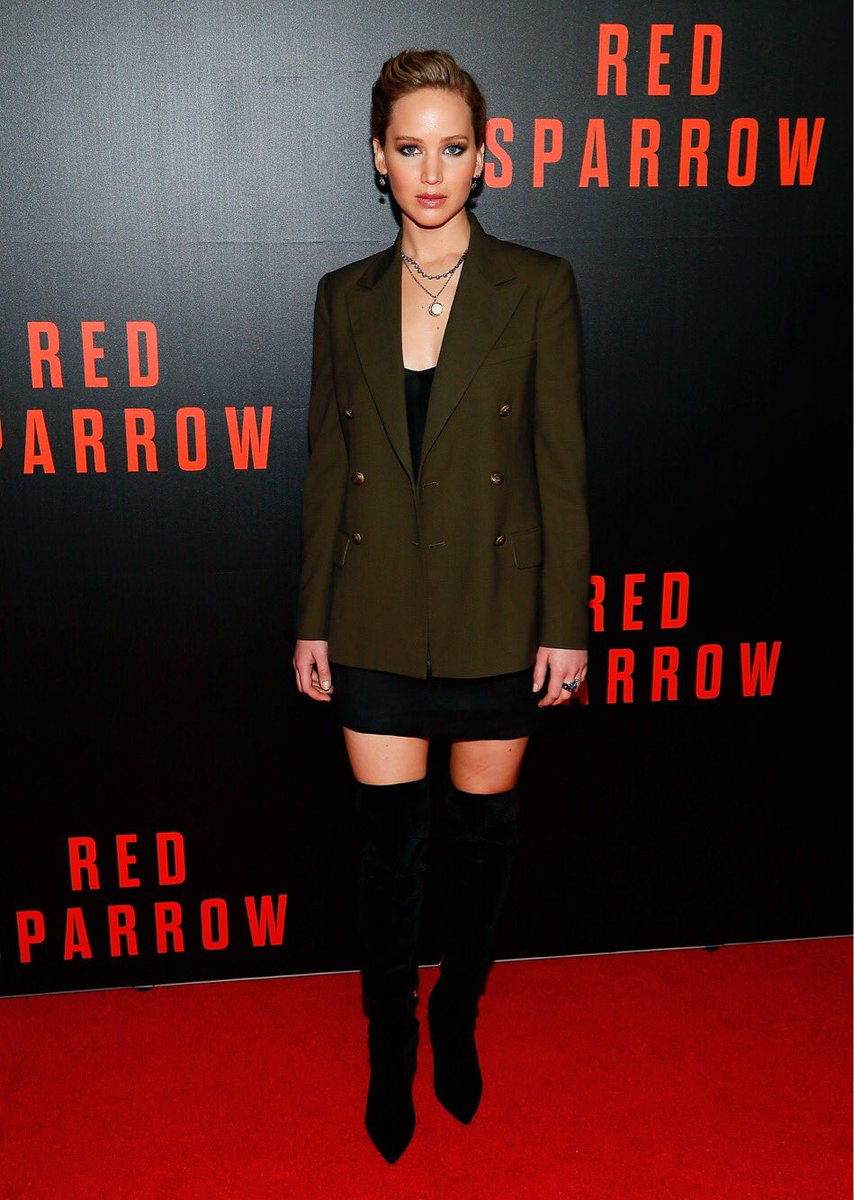 Jennifer Lawrence wears a #Polo Ralph Lauren blazer at the screening of her new film, #RedSparrow. https://t.co/qSyols4qE9