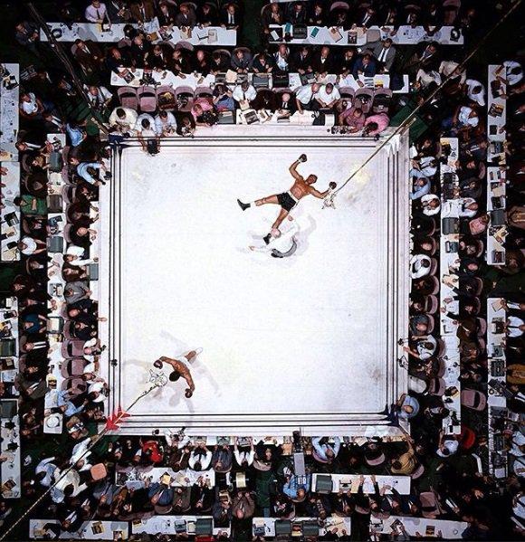RT @FotosDeFatos: Muhammad Ali derrota Cleveland Williams no Astrodome, Houston, 1966.  📷 Neil Leifer https://t.co/7k2kQkRkut