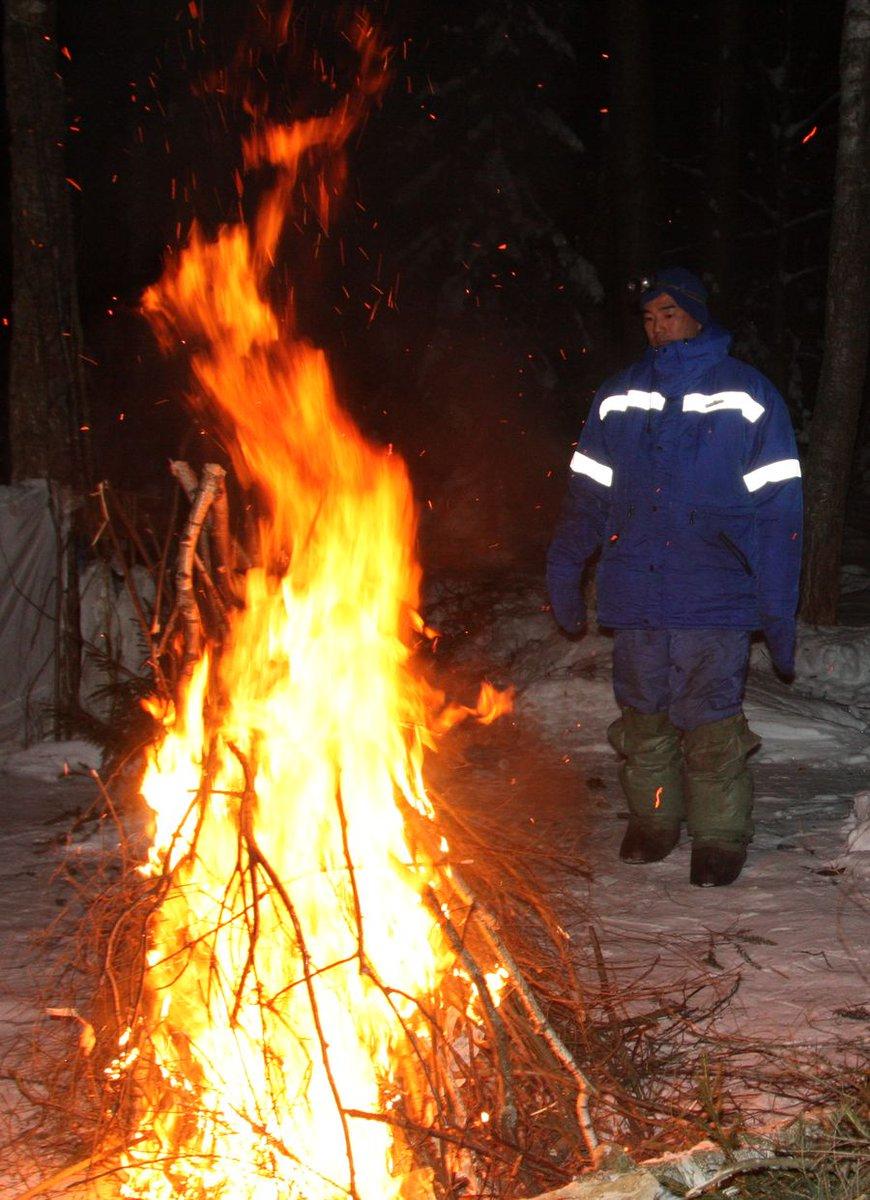 RT @Astro_Soichi: Signal fire during Winter Survival. https://t.co/Ki0GRwaPbL