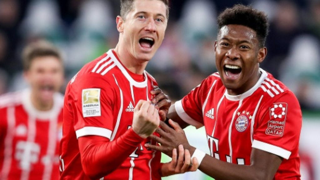 Last-gasp Lewandowski penalty rescues Bayern at Wolfsburg