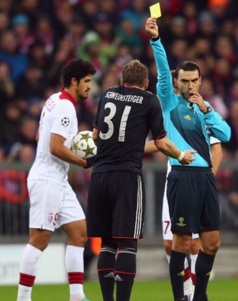 Hațegan officiated one Bayern game before (6-1 win against Lille in 2012) https://t.co/i6ANgjFzTh