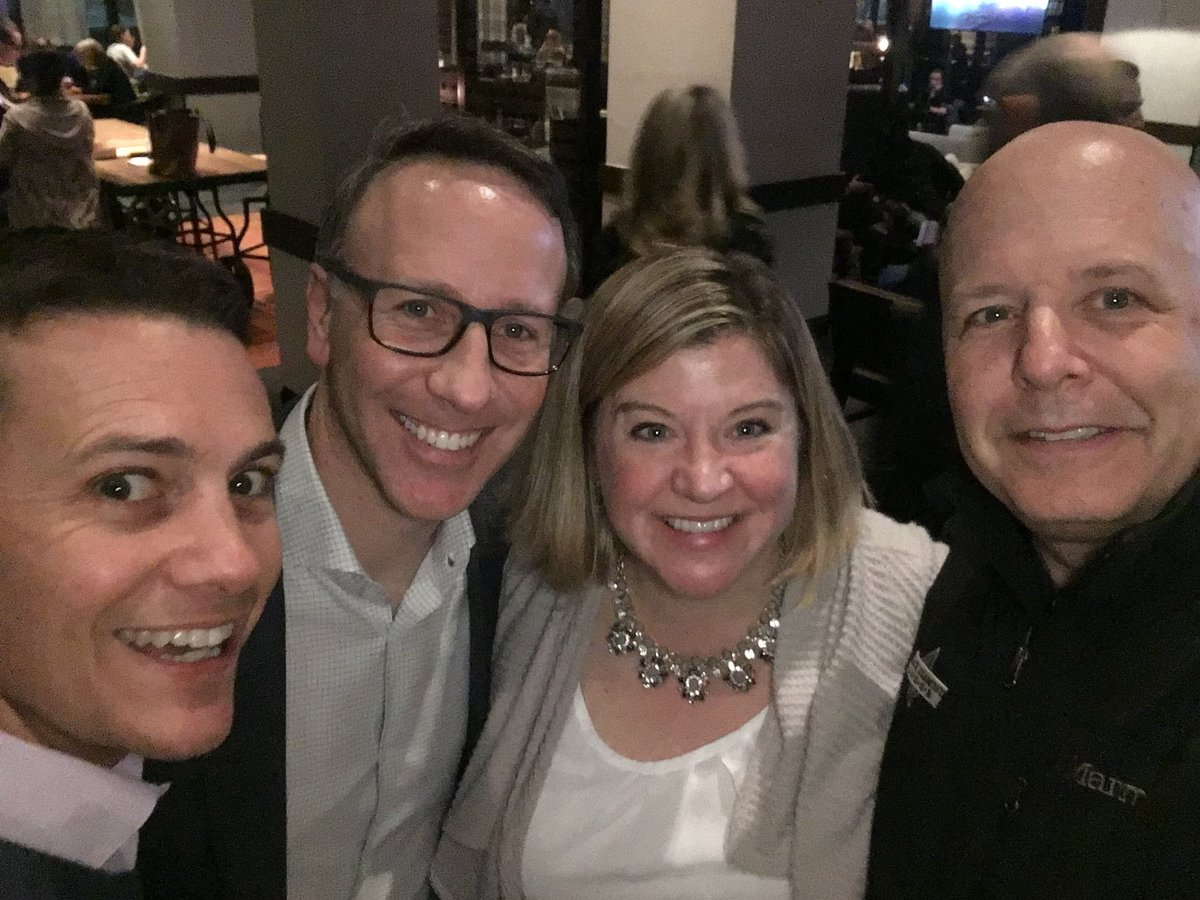Awesome catching up with #custserv and #CX friends @toister  @jeanniecw and @Hyken at #NSA18! https://t.co/Bmmvligo9V