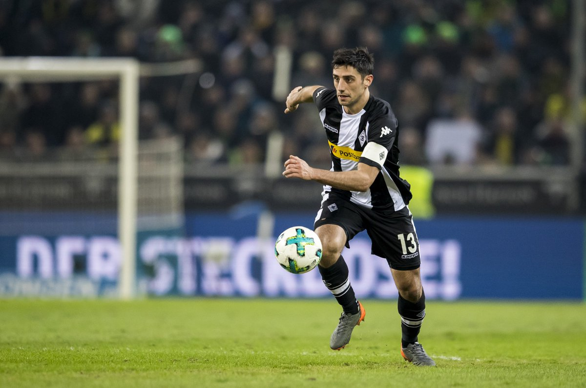 Another @stindl28 chance. Another Bürki save. We can smell that goal! Sniff sniff 👃 (65')  #fohlenelf #BMGBVB 0-1 https://t.co/QMrUeYVvyn