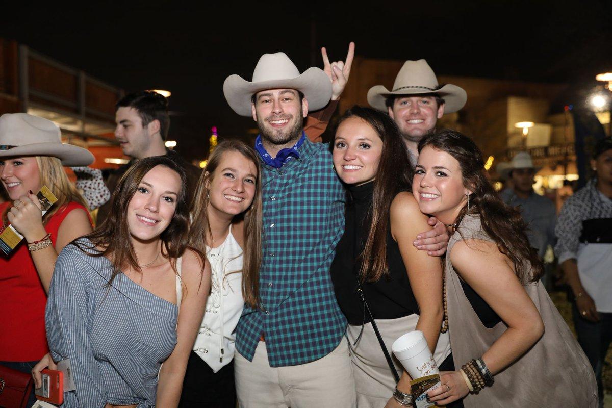 J. Balvin's people can't stop dancing at the San Antonio rodeo