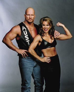 Talking w @MorettiIvory today for SAS. Send questions to questions@steveaustinshow.com.  #GLOW @WWE https://t.co/Unmn5WTKhI