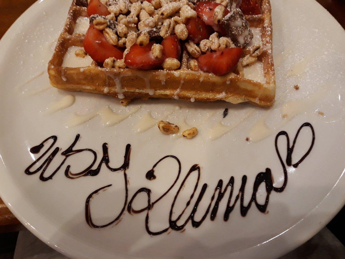 Plus fort que Starbucks, Waffle Brothers à Berlin, je m'appelle Klimo apparemment... https://t.co/6zMiJ8tB1R