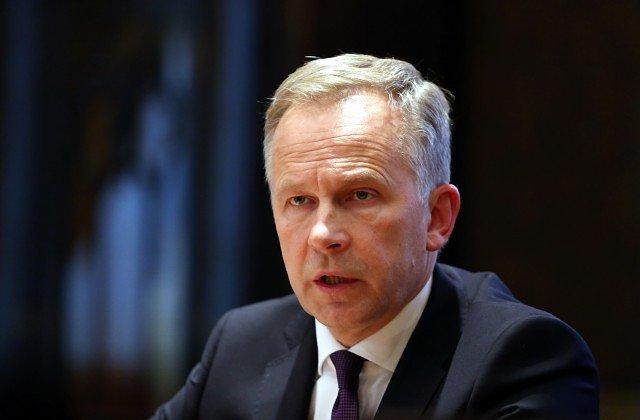 Latvijas Bankas prezidentu Rimšēviču šovakar neatbrīvos