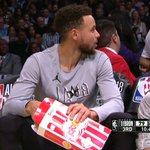RT : Curry levando o jogo muito a séri...