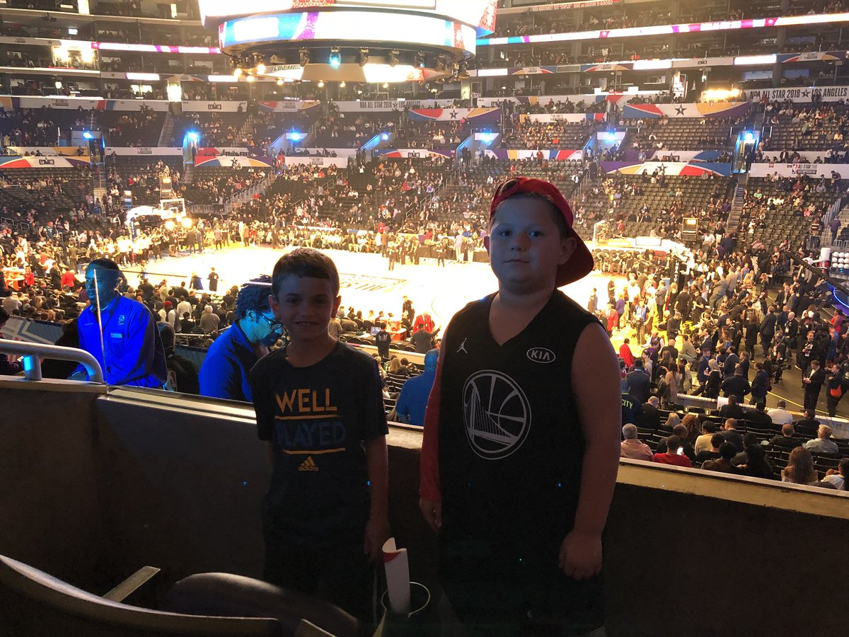 RT @Barry_Rabkin: My son Luke And his friend Luke C at NBA AllStar.  #NBA #AllStar #NBAAllStar #Grateful #RawJuce https://t.co/7H2oBGrwLL