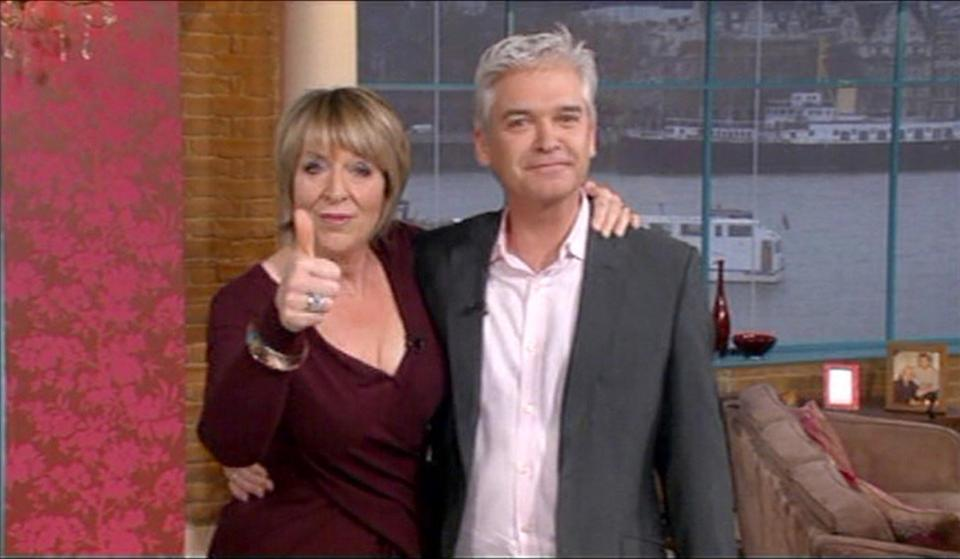 RT @TheSun: Fern Britton speaks out over #ThisMorning pay gap dispute https://t.co/4aIwIHeQVz https://t.co/kQpmNRWdy6