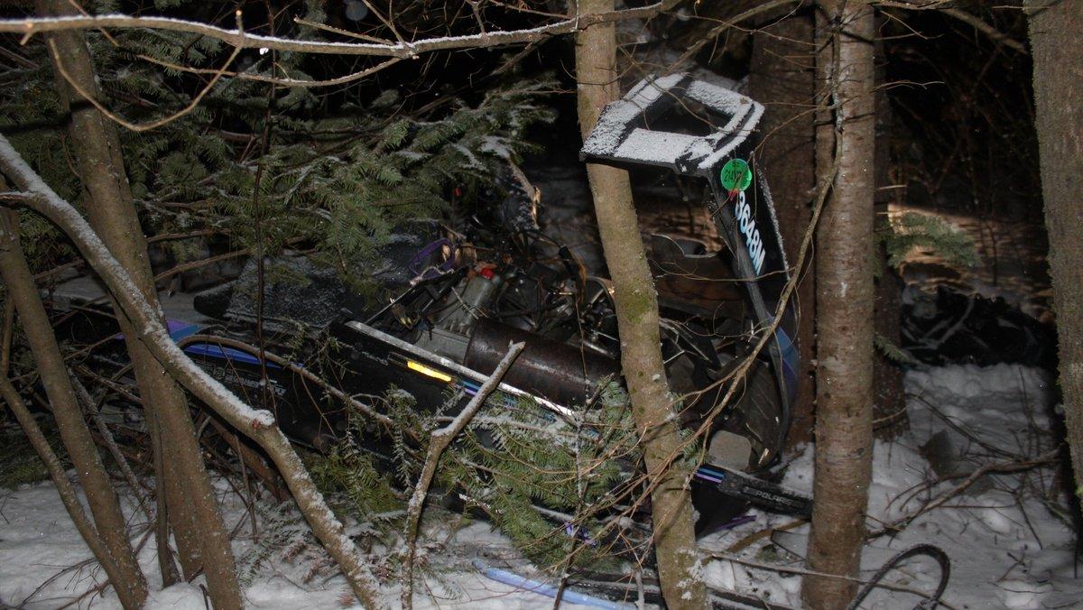 Snowmobile crash kills father and son in Maine