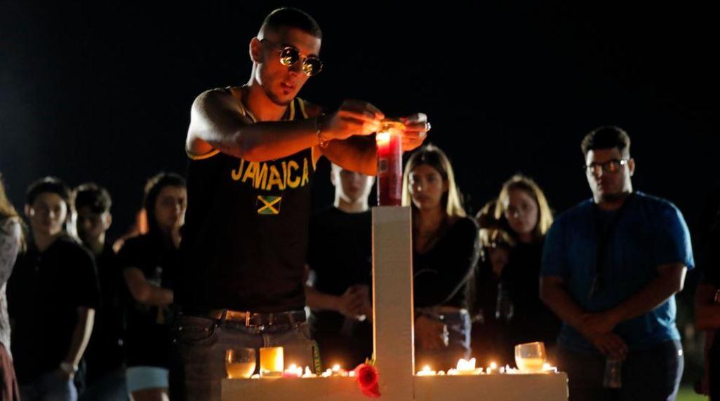 Florida high school shooting survivors plan march on Washington