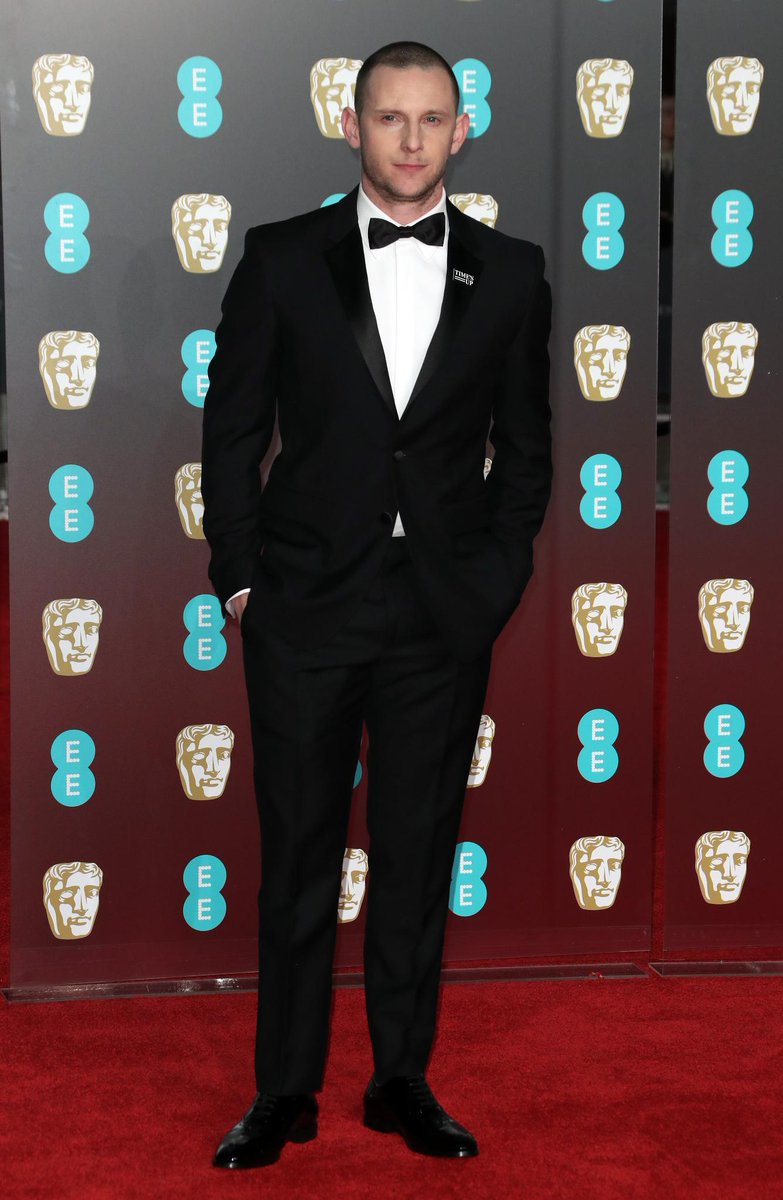 .@1JamieBell at the #EEBAFTAs in London, wearing @Burberry tailoring https://t.co/r2icPnltoO