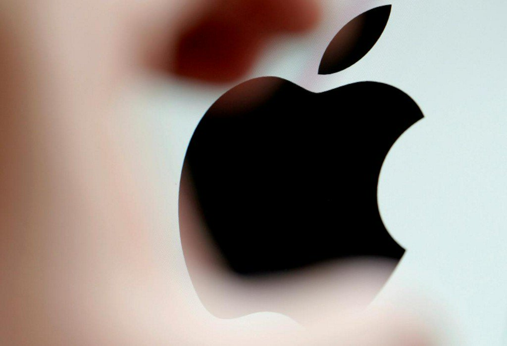 Apple shares on verge of record high after Buffett comments
