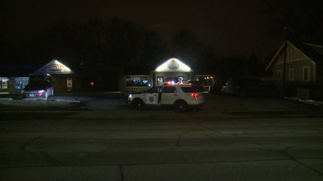 Police Investigate Shooting at South Side Des Moines Bar