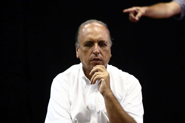 @BroadcastImagem: Pezão diz que intervenção federal no Rio não prevê recursos para polícias. Fábio Motta/Estadão