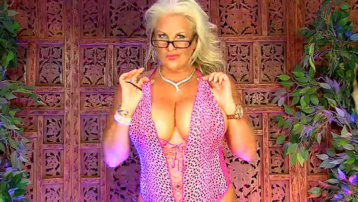 Milf Monday join me for some filthy milf fun Koc2EHMnN3