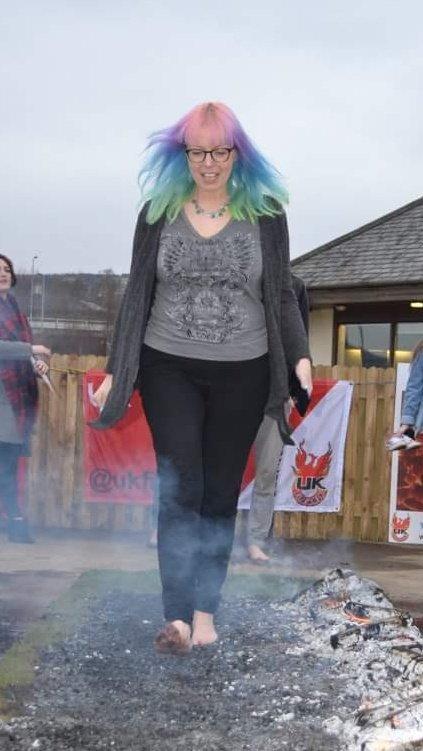 Look who walked on hot coals..... 😁😁 oZb0fPixU1