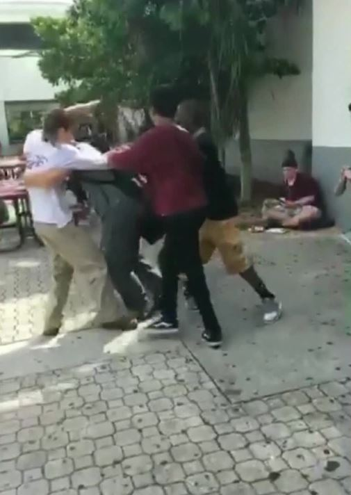 New video shows #Parklandshooting suspect #NikolasCruz in fight at high school - https://t.co/x2So1fkVOS #KPRC2 https://t.co/ohJMMFfaEO
