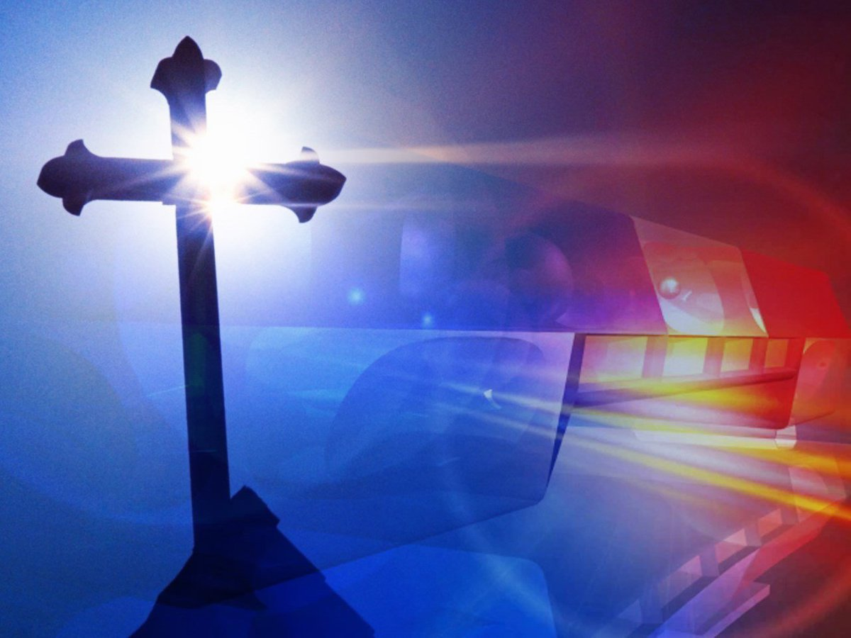 Police: Pastor helped rob Sunday school teacher https://t.co/6JxIwjajt8 https://t.co/mw16wMaKhD