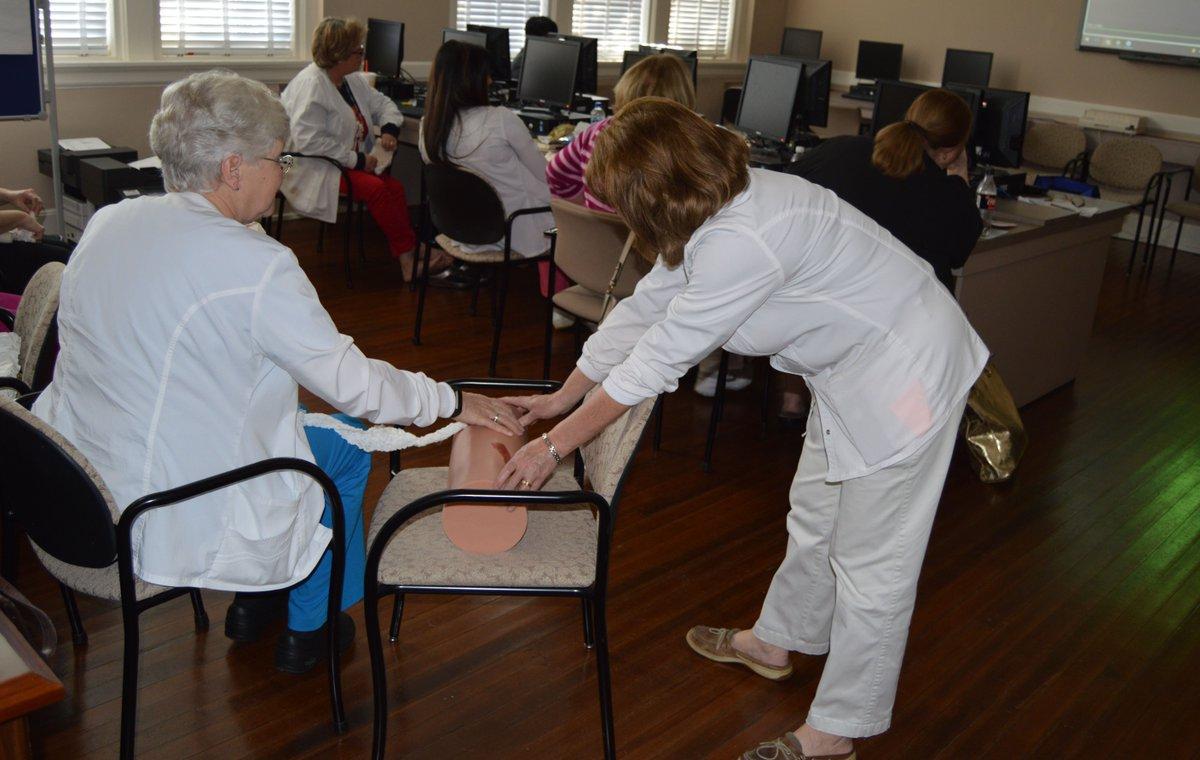 Marion County School District nurses train on new trauma kits https://t.co/HxLRO0tFuN (Marion County School District) https://t.co/SCZpPygnjr