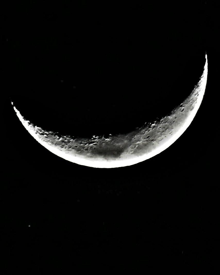 RT @EdPiotrowski: The waxing crescent moon over Myrtle Beach this evening via Brandie Lynn.  #scwx https://t.co/Oyrpau331X