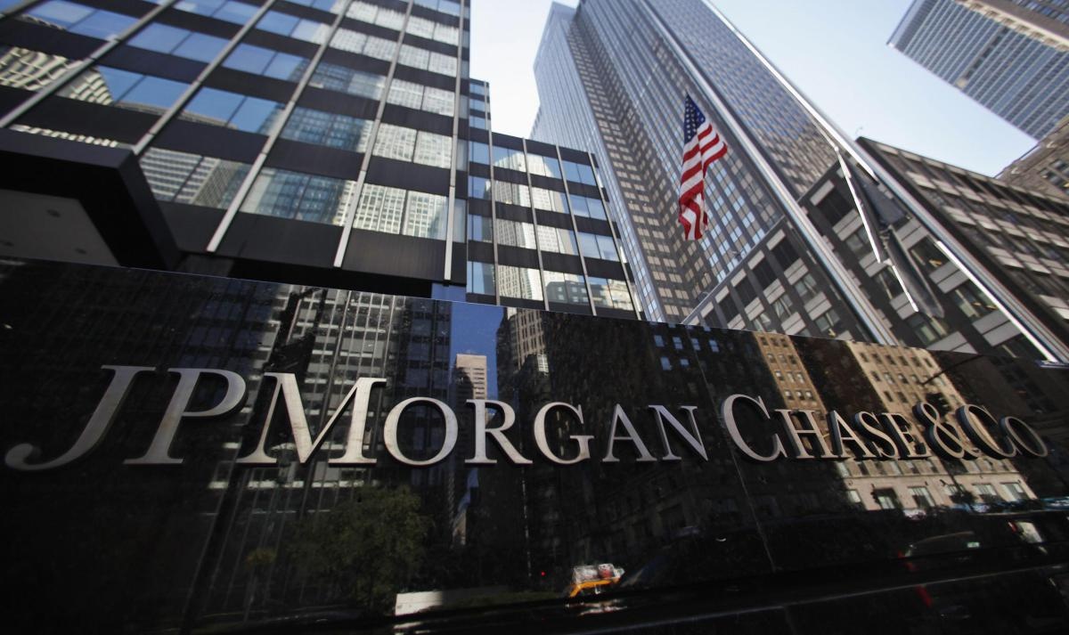 @ohiobitcoin JPMorgan Changes Stance, Encouraging Clients To Invest in Bitcoin. https://t.co/WLXslErrHK via stopthefud https://t.co/6XSBMPcYxW