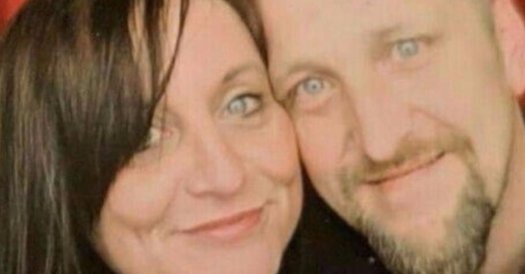 Couple's 'magical' Wetherspoons wedding proposal wrecked when they were barred after 'leaving negative online review'
