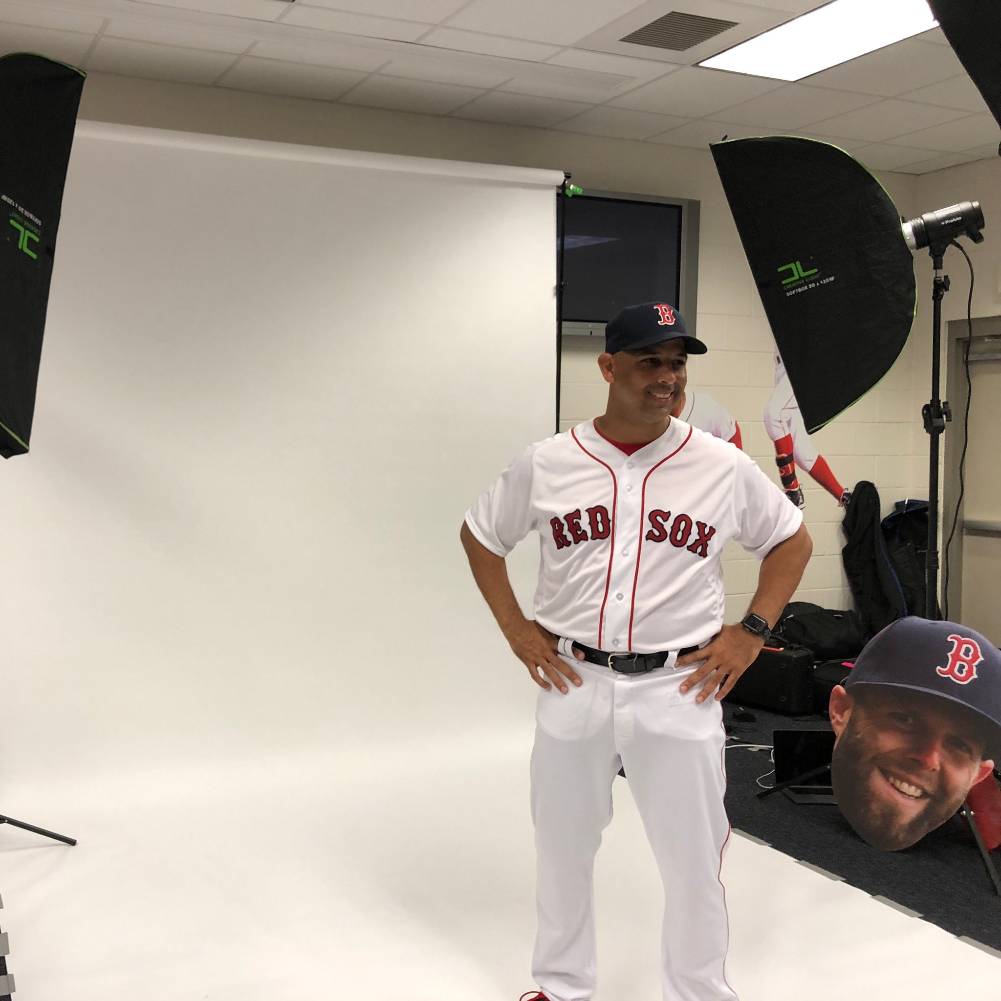 .@ac13alex making his way through #PhotoDay! �� https://t.co/HXSPTJKcOy
