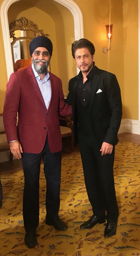 test Twitter Media - Had the chance to meet actor Shah Rukh Khan. A true #Bollywood legend! J'ai eu l'occassion de rencontrer l'acteur Shah Rukh Khan. Une vrai légende du Bollywood! #SRK https://t.co/8YpZNNuxAx