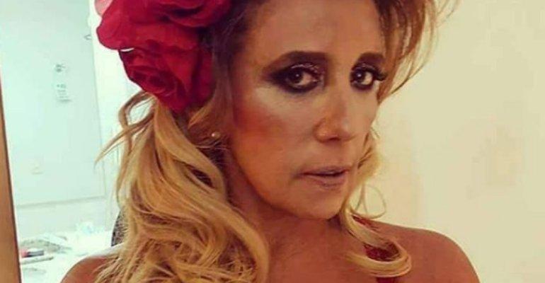 Nudes. Foto do site da Caras Brasil que mostra Rita Cadillac revela se já mandou nudes