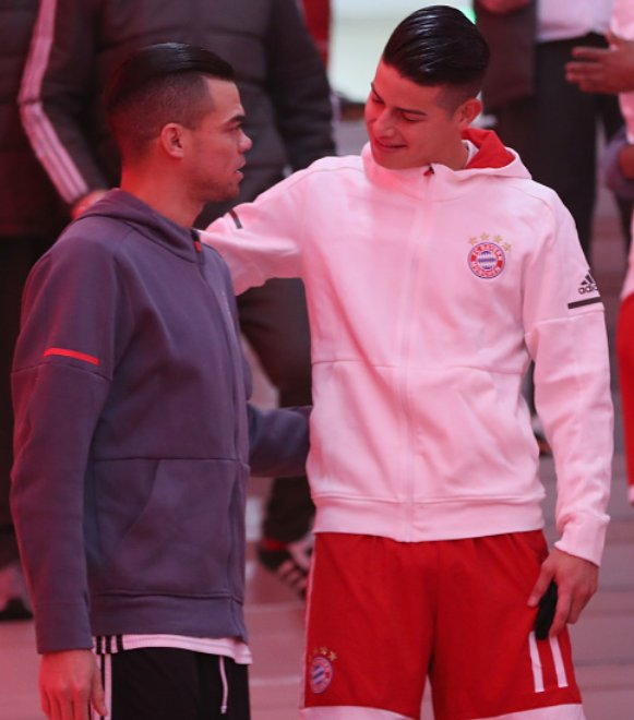 Former Real Madrid teammates James and Pepe.  #FCBBJK https://t.co/9O9WkRcCTI