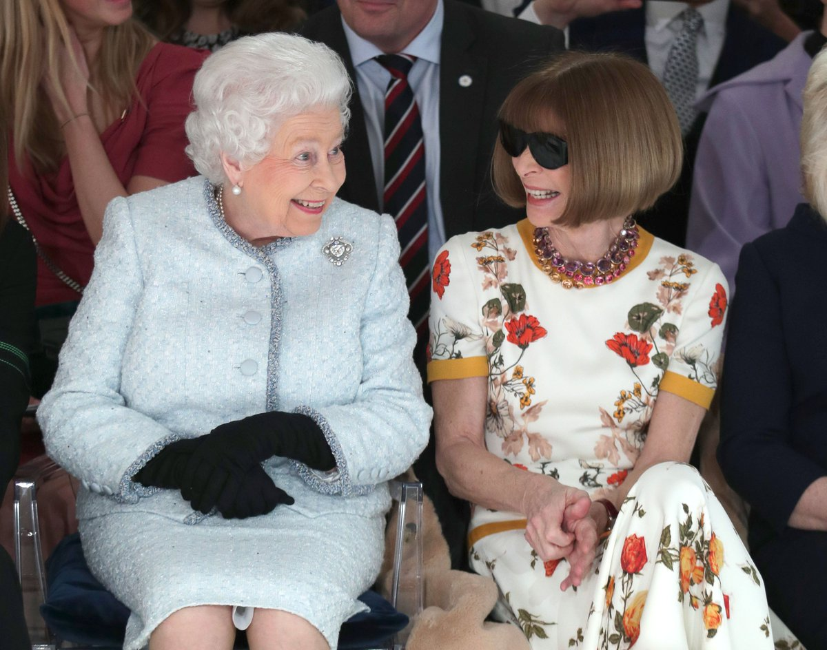 Queen Elizabeth II And Anna Wintour hung out together at London Fashion Week https://t.co/LuiIiUtyrK https://t.co/QMoqw6k3Yh