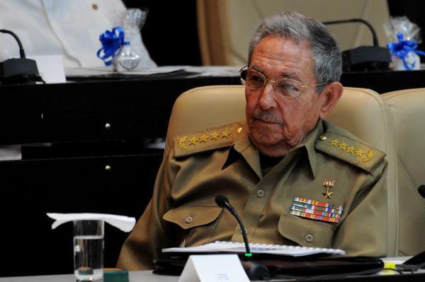 Recibió presidente cubano Raúl Castro a delegación del Congreso de Estados Unidos https://t.co/z8N3DxWMKf https://t.co/lvy4Hk9Xnz