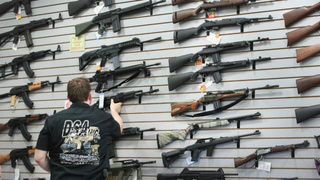 Poll: Fewer Republicans than ever support assault weapons ban https://t.co/3NEo2QvAns https://t.co/kow79tL5IQ