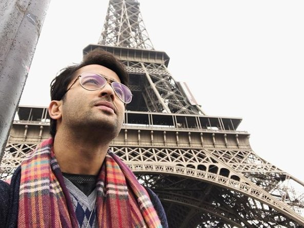 .@Shaheer_S of #KuchRangPyarKeAiseBhi fame sure had a fun time in #Paris. https://t.co ...