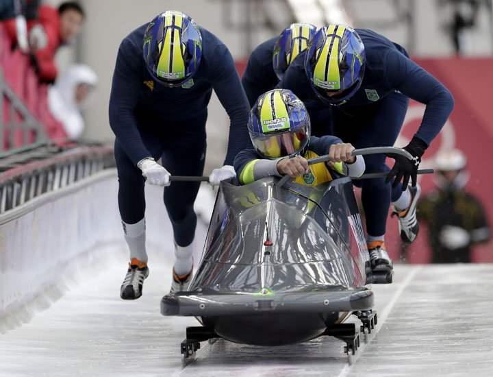 @BroadcastImagem: Equipe brasileira de bobslead treina durante a Olimpíada de Inverno de Pyeongchang. Michael Sohn/AP