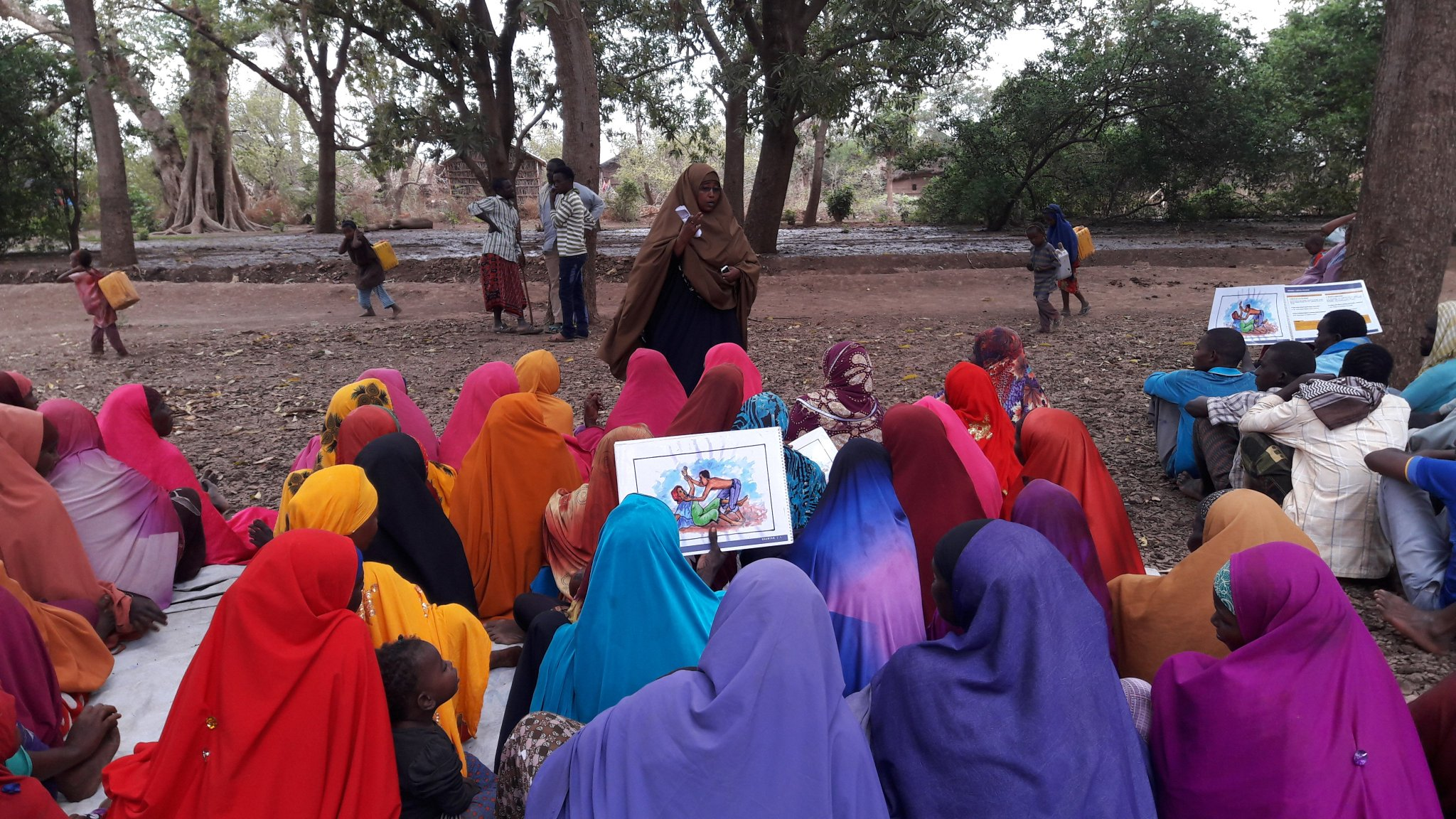 In 2017, Women and Child Care Organization (WOCCA) reached 7900 people with protection activities, including Gender Based Violence Awareness raising. The work was possible thanks to the $  299,894 received from @SHF_Somalia. #WithSomalia https://t.co/E93kAWa1NR