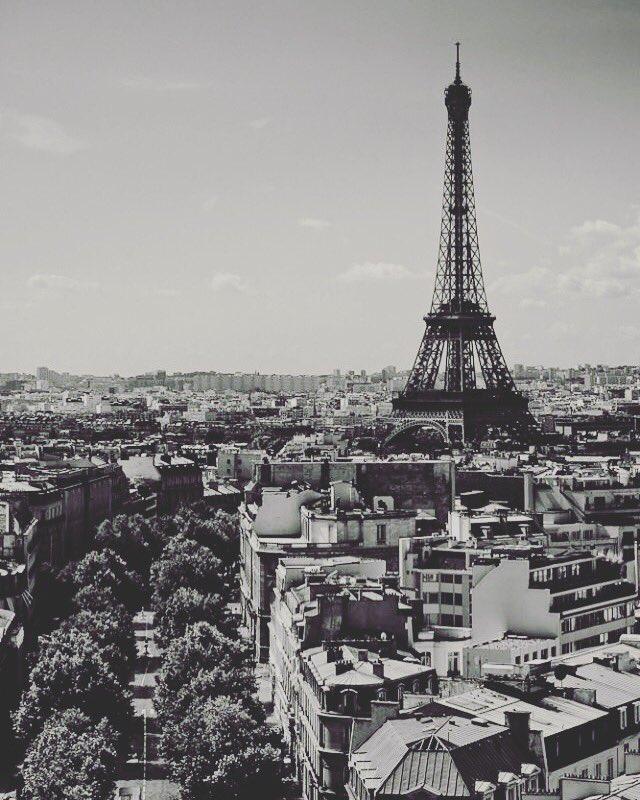 Otras #alturas siempre te llevan a la misma referencia. Torre #Eiffel, #París. https: ...