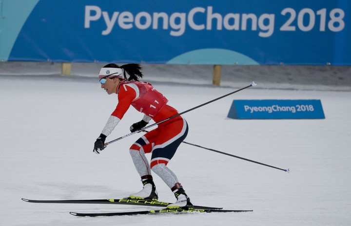 @BroadcastImagem: Marit Bjoergen, da Noruega, leva bronze e se isola como maior medalhista em Pyeongchang. Kirsty Wigglesworth/AP