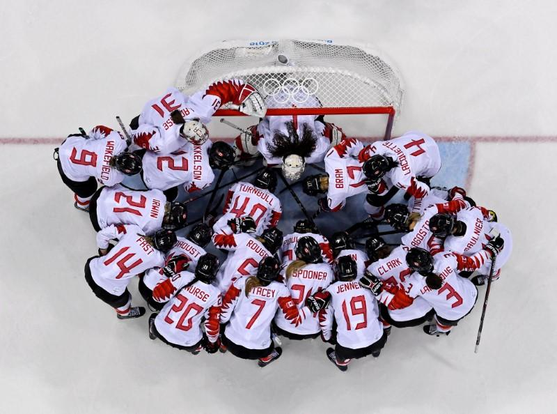 Ice Hockey: Gold medal battle royal awaits U.S., Canadian women