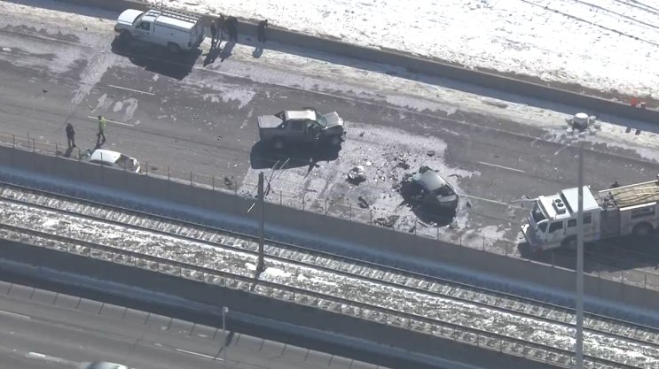 Stretch of I-225 closed after wrong-way wreck in DTC
