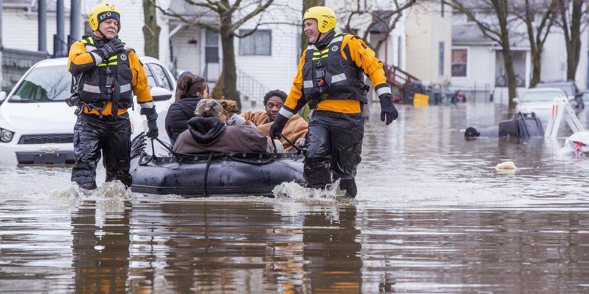 Boats used to help residents amid Midwest flooding