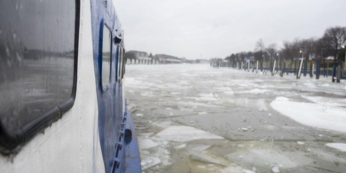 Tug brought in to break ice in Black River