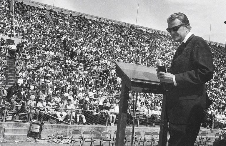 For 4 days, Billy Graham packed Memorial Coliseum — and part of UK's football stadium   Lexington Herald Leader