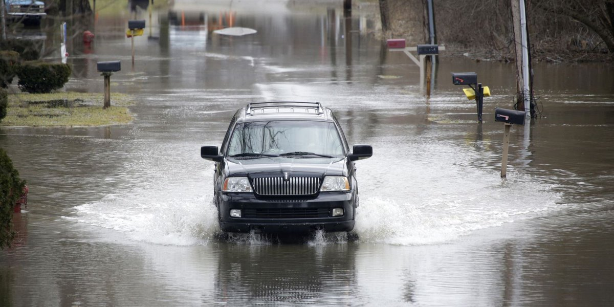 Heavy rain causes flooding and sewage overflow in metro Detroit