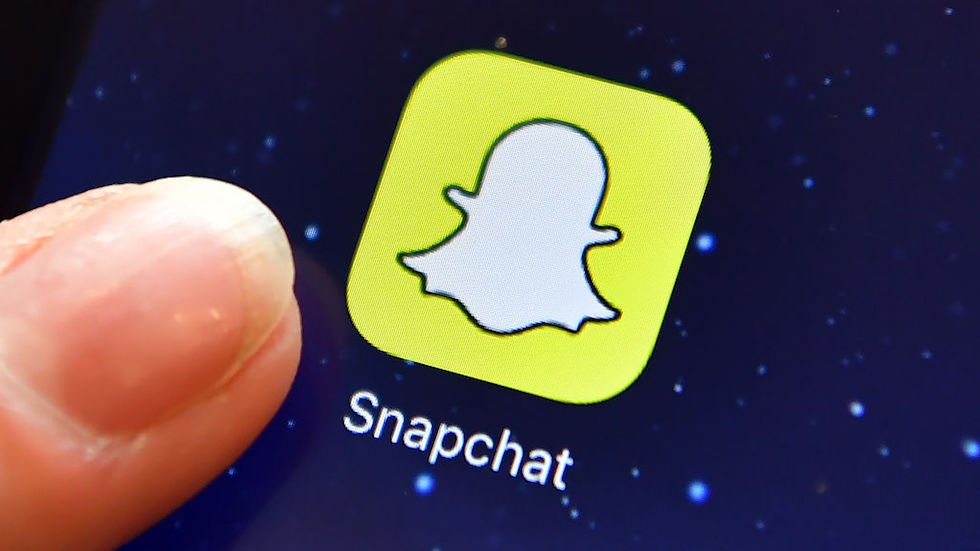 Snap says it will make updates to Snapchat after outcry over redesign https://t.co/RbAVMkZwwm https://t.co/IK5Nrj0Fgm
