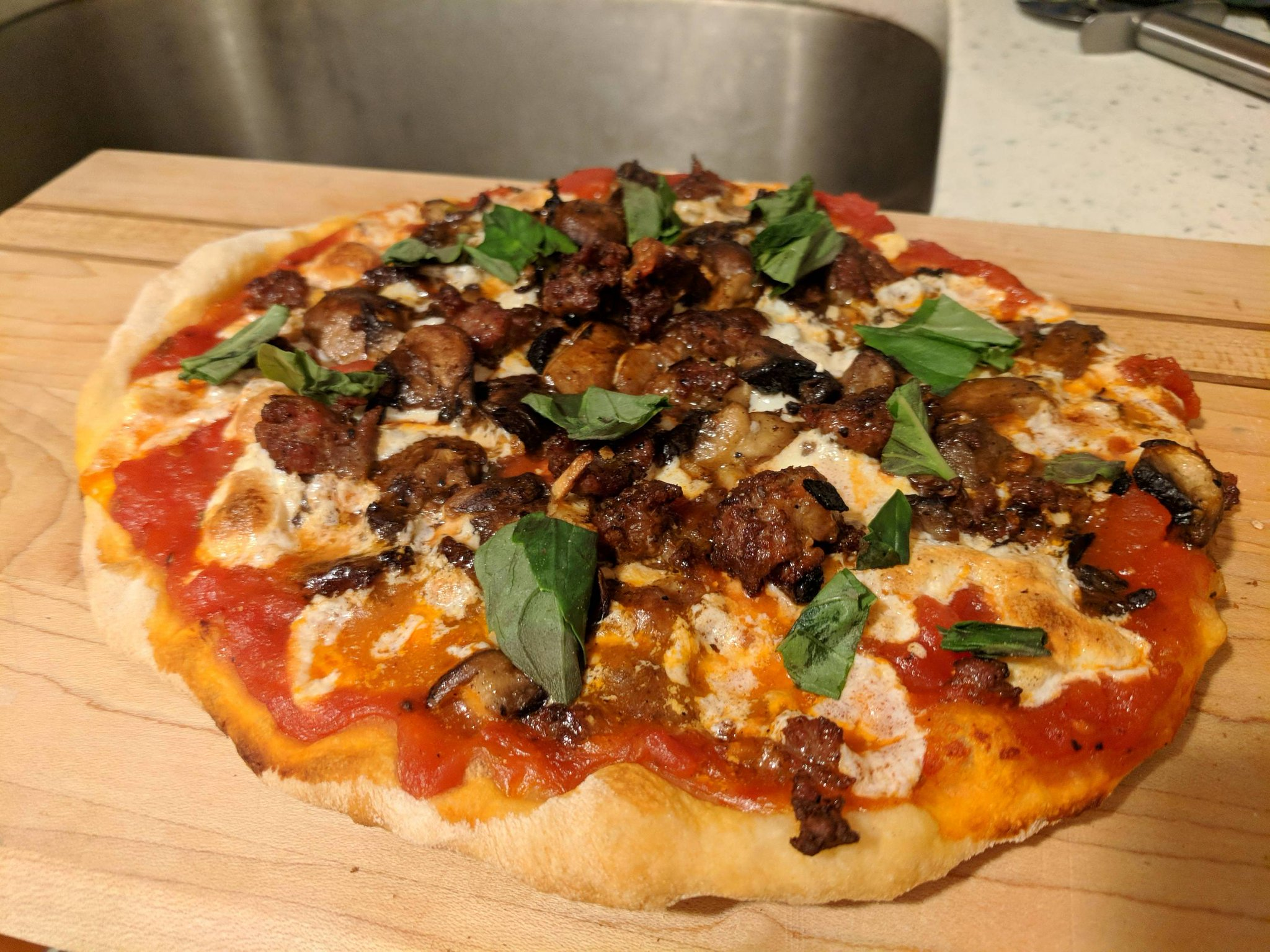 #Monday's #are #for #Mushrooms #& #Sausage https://t.co/v5AuogoXlO  #shitgotdeep,#pizza https://t.co/UuwV749DHN